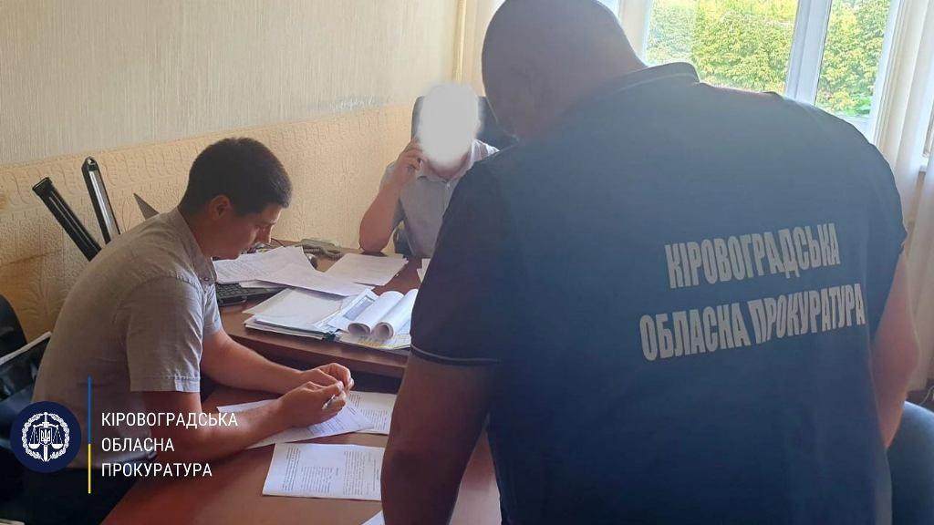 Заместителя директора облавтодора подозревают в служебной халатности на 10 миллионов гривен