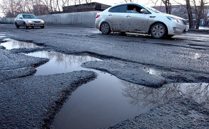 Депутаты выделили 4,5 млн. грн на уборочную машину и 10 млн. грн на капитальный ремонт улицы Алексея Скичко