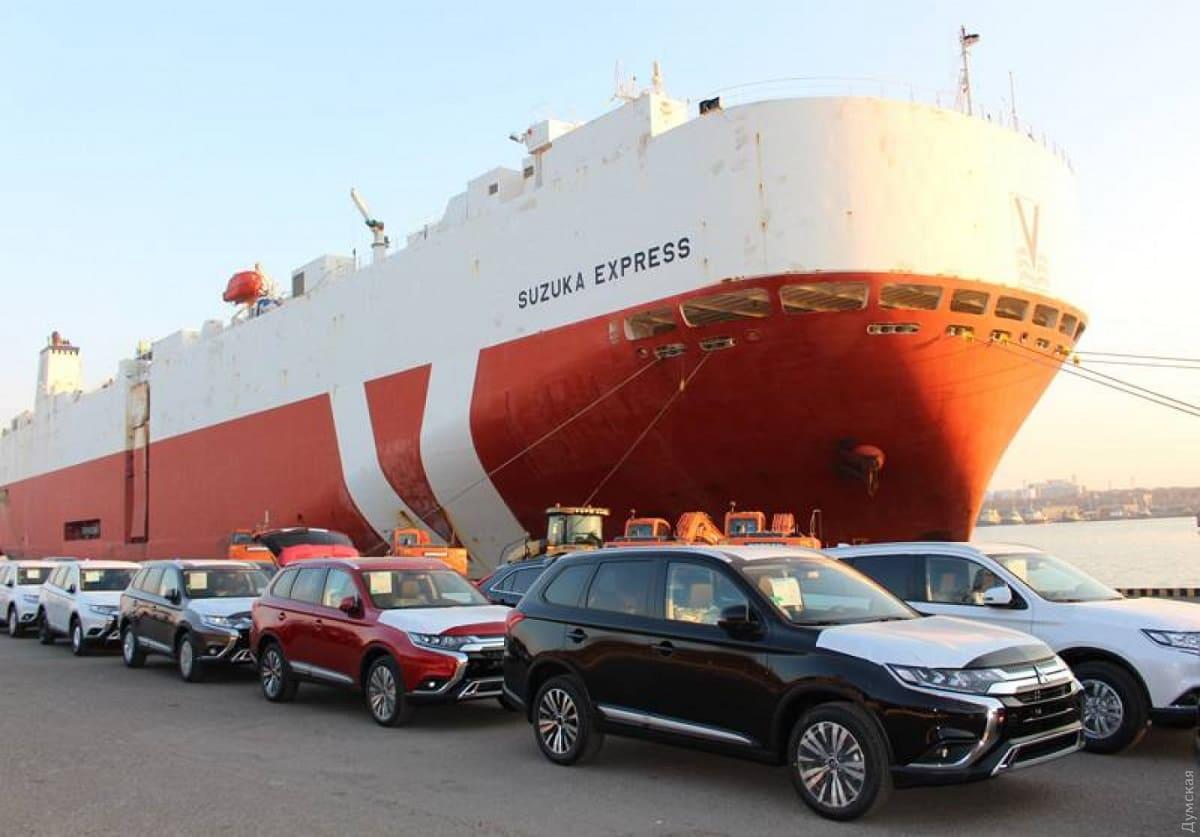 Доставка автомобиля из США: тонкости сделки и транспортировки