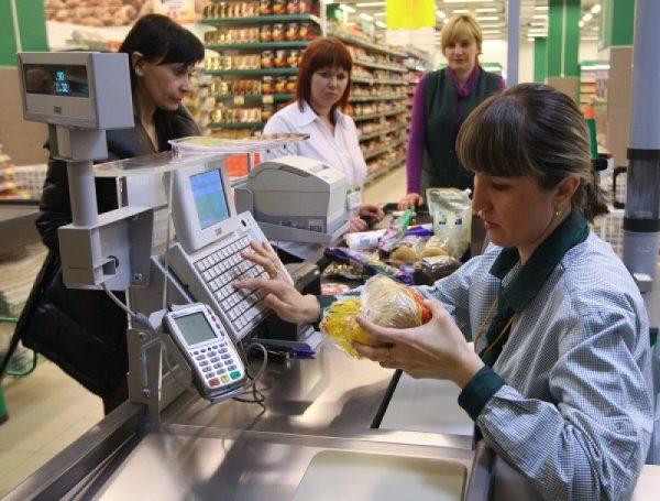 В Александрии уволили продавщицу-хамку, а собственника магазина обязали заплатить штраф