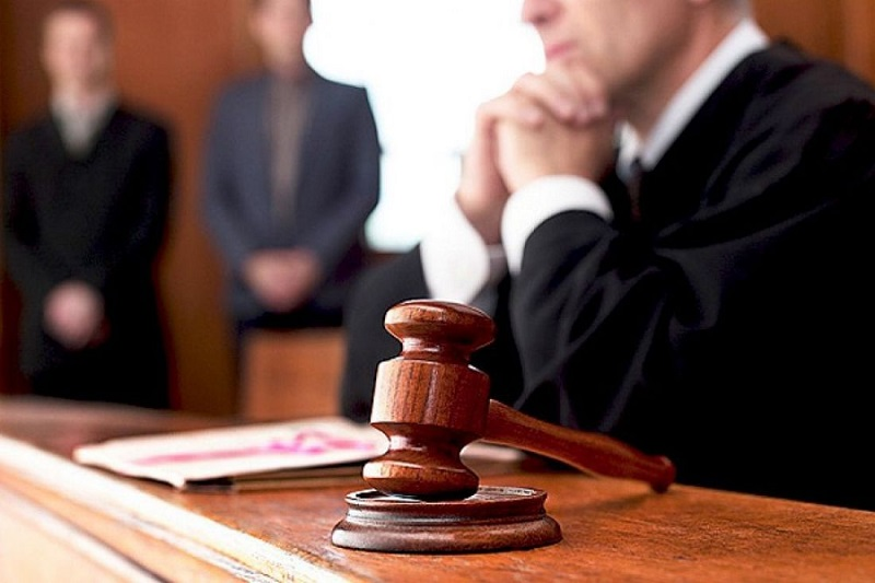 Двоих несовершеннолетних, которые до смерти избили мужчину, приговорили к 5 годам лишения свободы