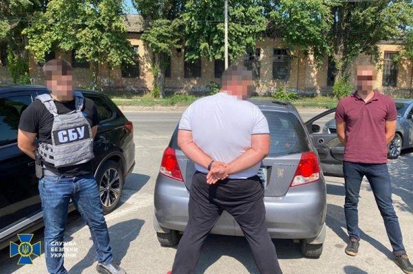 У депутатов Кировоградщины нашли арсенал оружия, их подозревают в вымогательстве денег у предпринимателей (ФОТО)