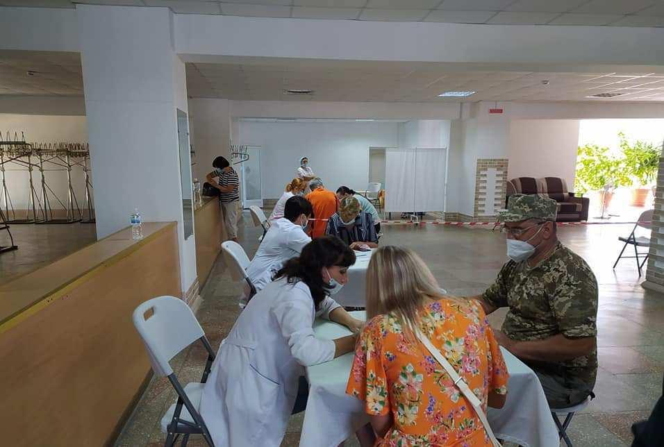 Какие вакцины есть сегодня в Александрии и как будет работать Центр вакцинации в выходные и праздничные дни