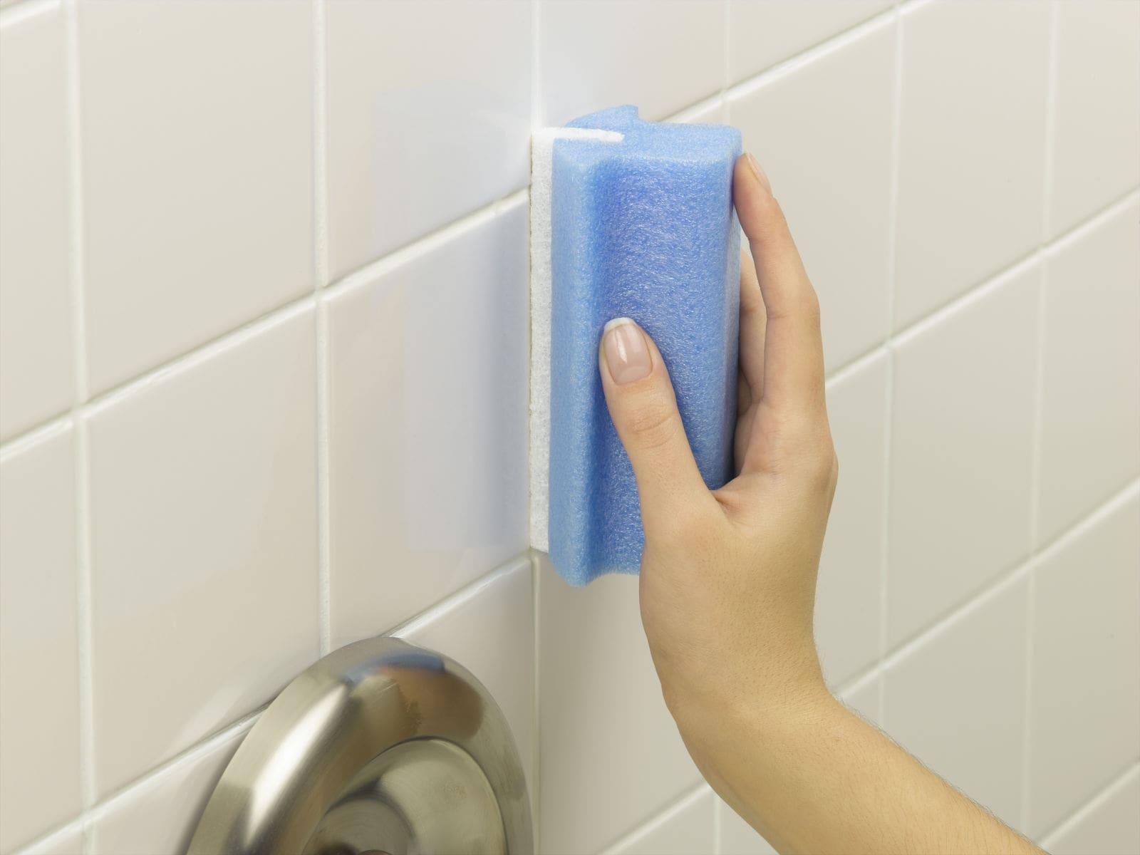 Как обновить затирку в швах между плиткой в ванной на полу самому