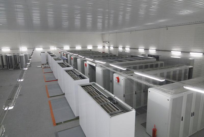 Выбираем надежные и мощные промышленные холодильные камеры для хранения продуктов
