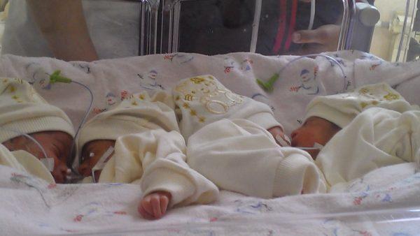 Женщина с Кропивницкого родила четверню: ее же мужу грозит депортация