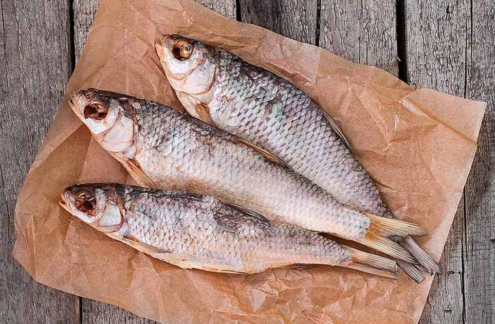 В Кировоградской области зафиксировали очередное подозрение на ботулизм. Девушку, которая ела рыбу, госпитализировали