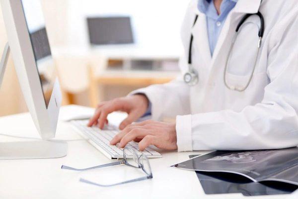 Отмена бумажных больничных. Медучреждения с 1 октября начнут оформлять исключительно электронные больничные